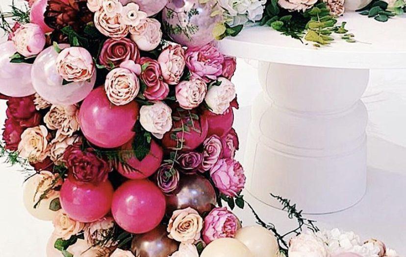 flower balloon garland