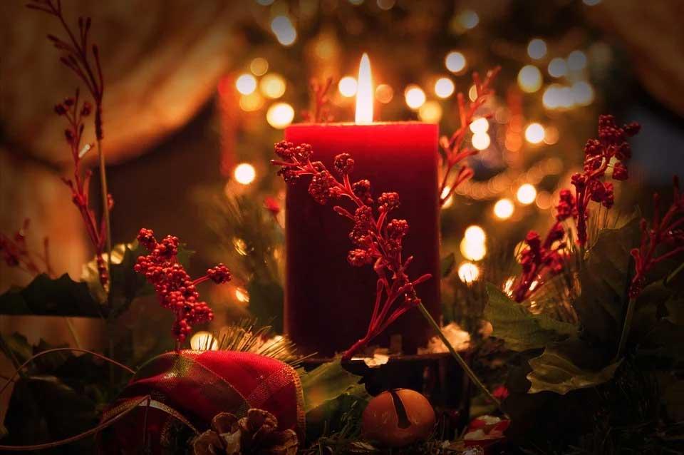 christmas candle centerpiece