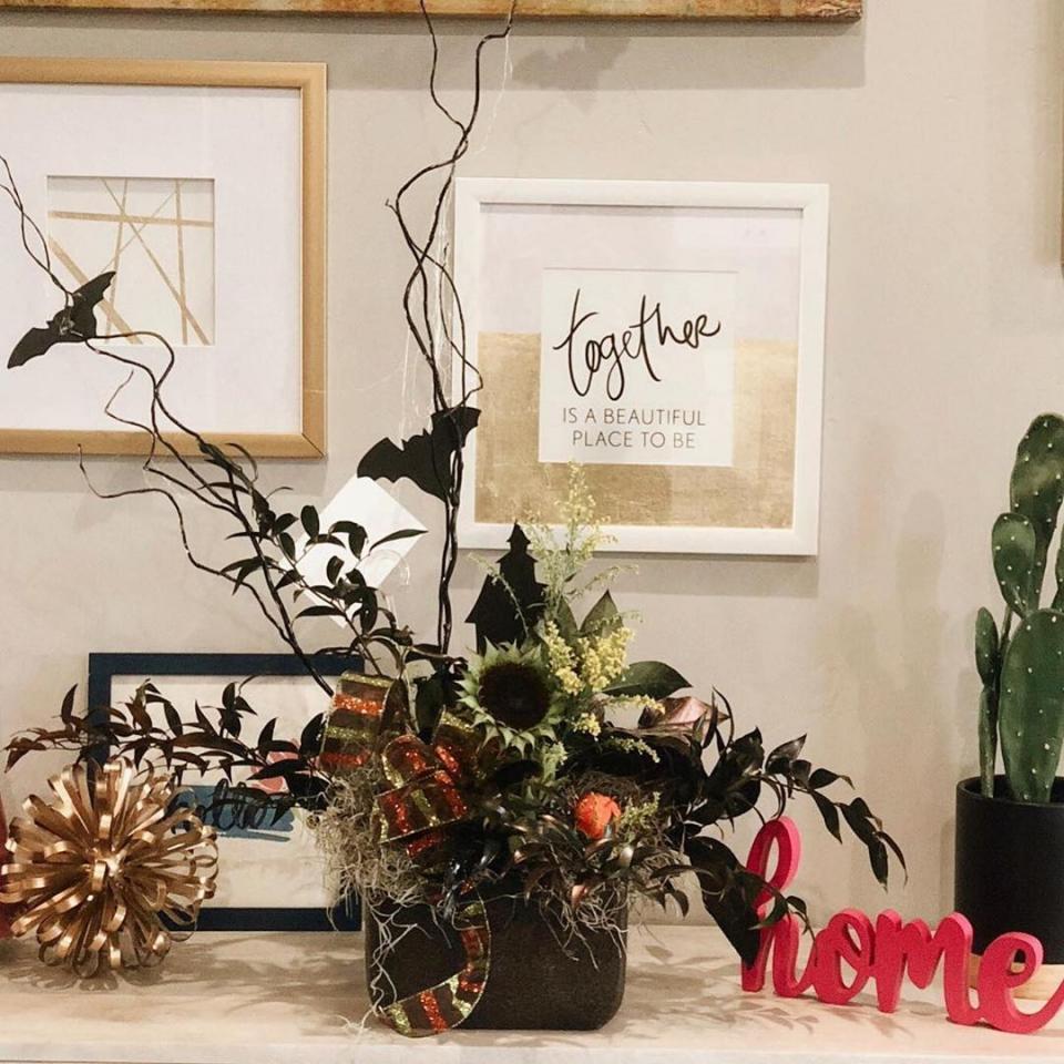 Floral arrangement for Halloween