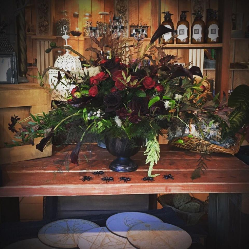 halloween flower arrangement