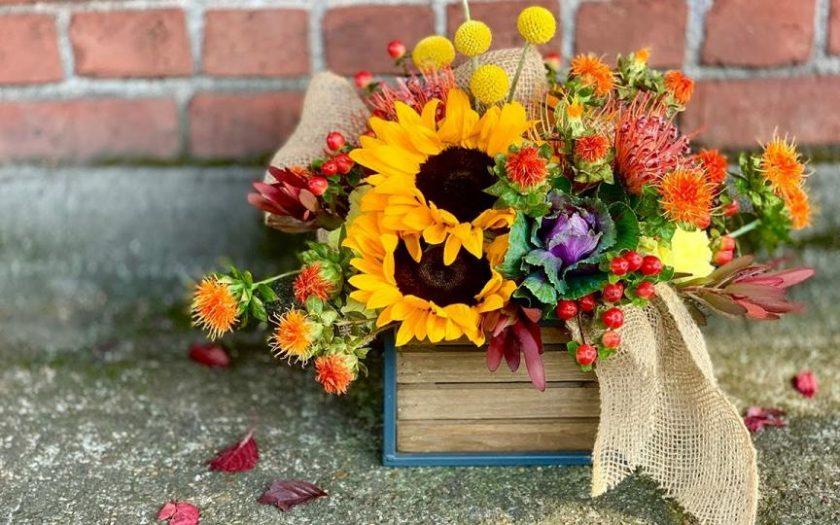 create fall floral arrangement